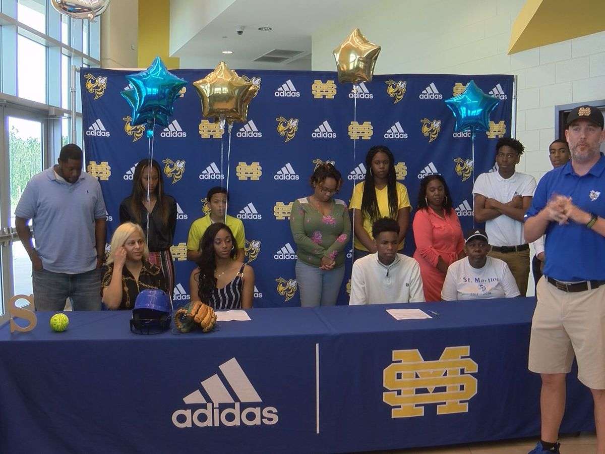 Two more Yellow Jackets sign on the dotted line