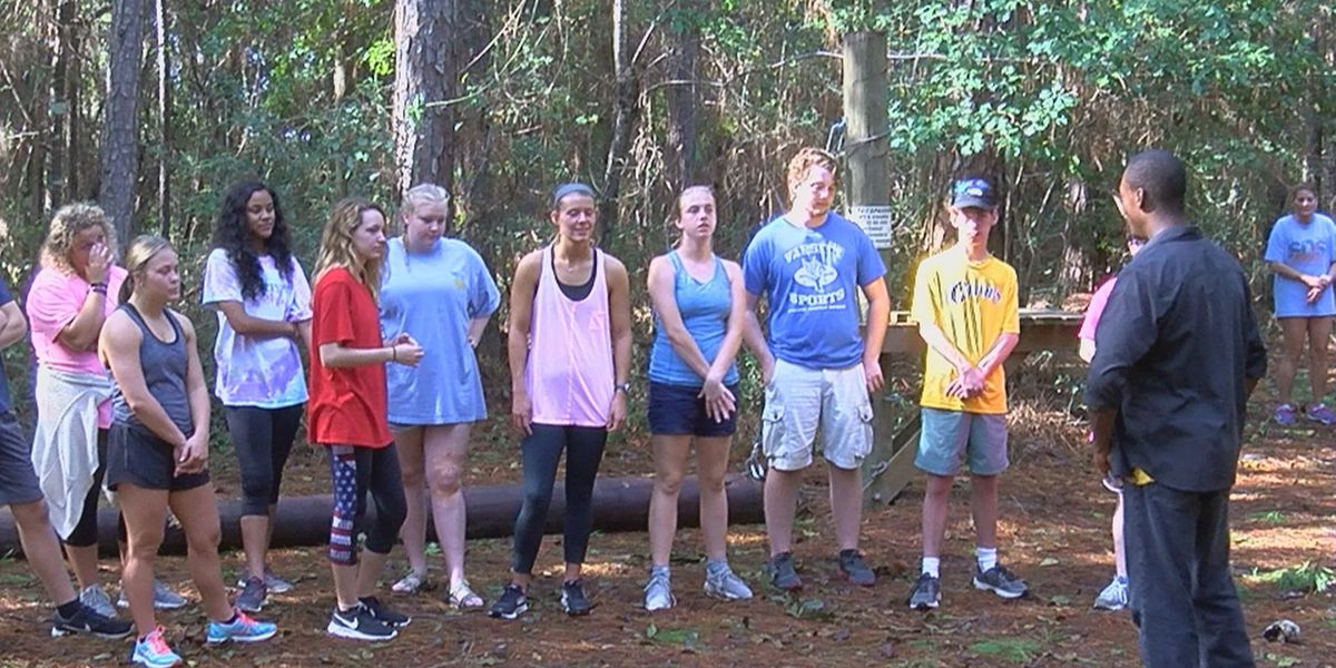 Gautier Youth Council learns the ropes