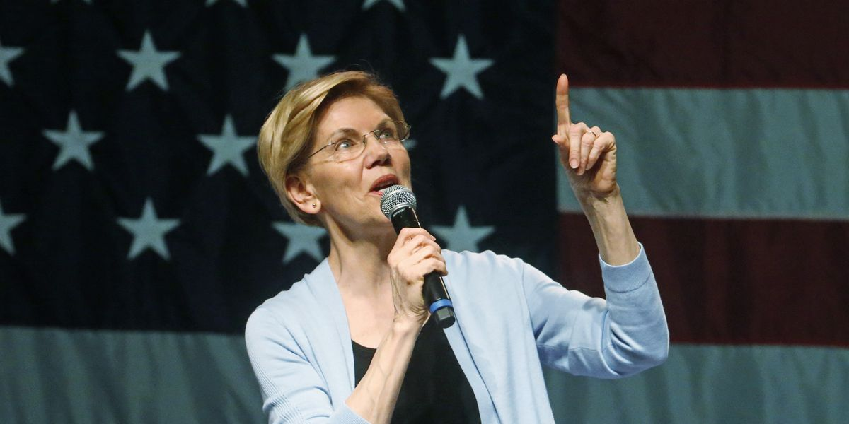 Warren unveils $640 billion college debt forgiveness plan