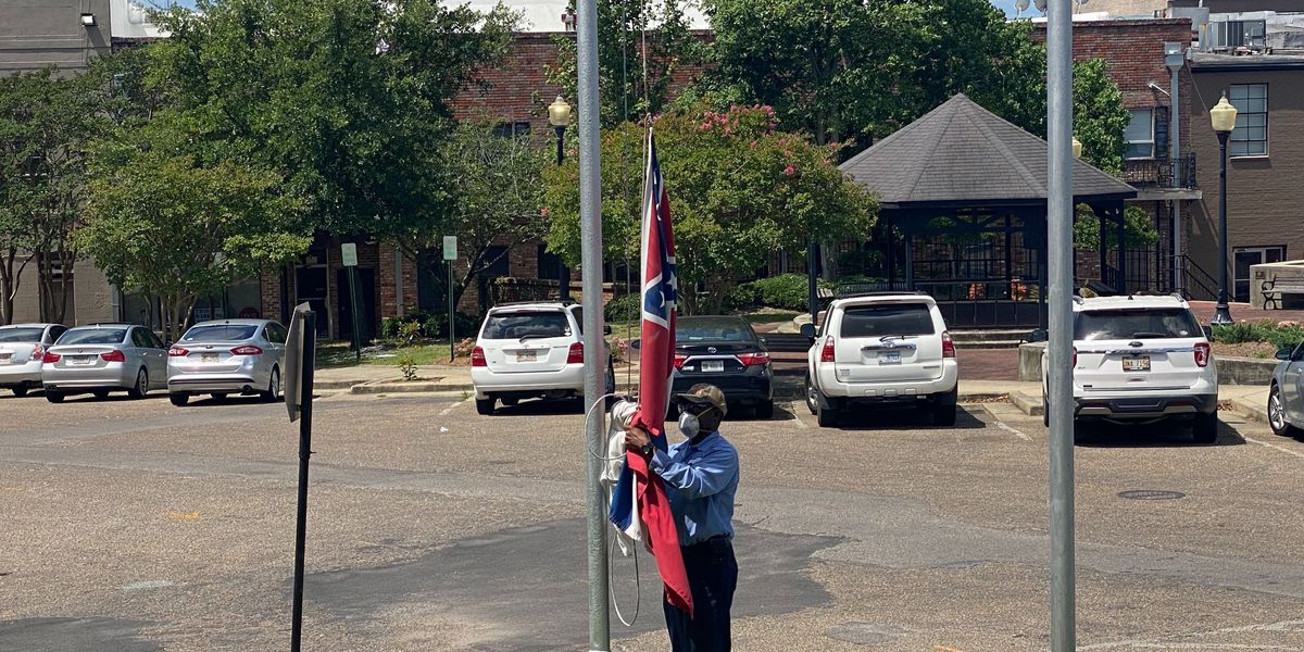 Laurel mayor signs order to remove state flag from city buildings