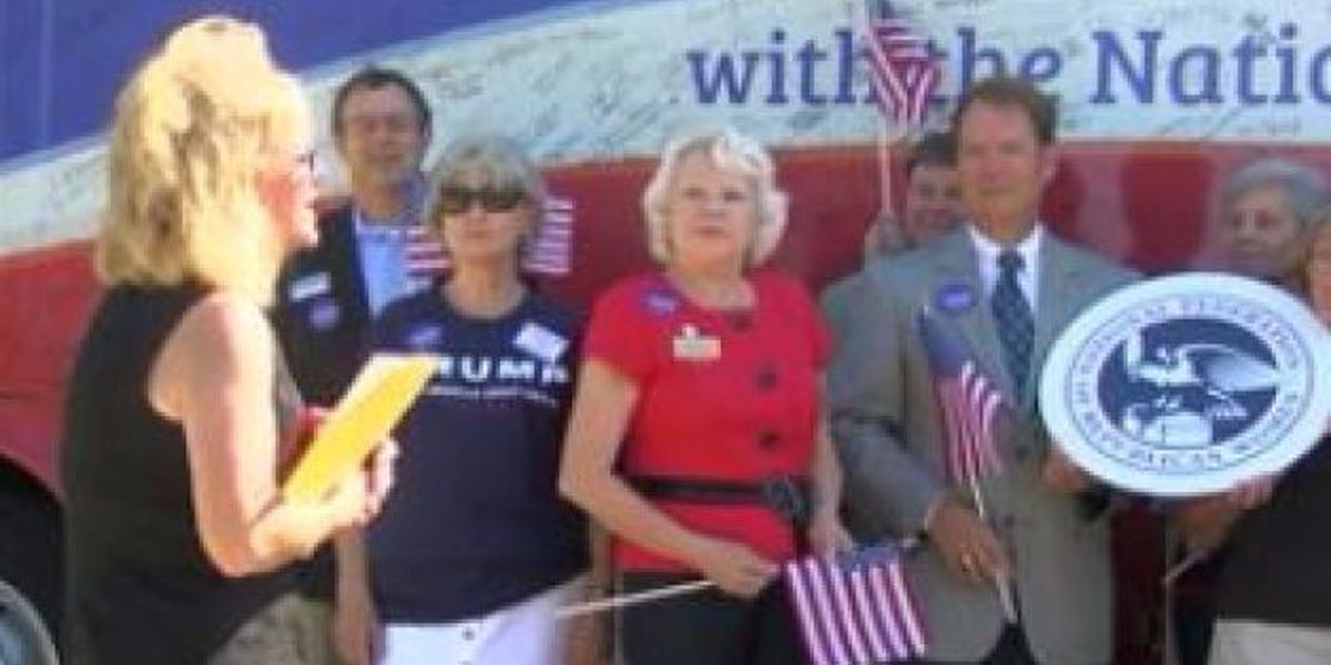 National Republican Women's group arrives on coast