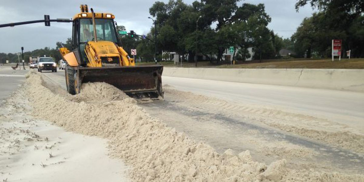 Drivers, slow down: Hwy 90 sand removal underway