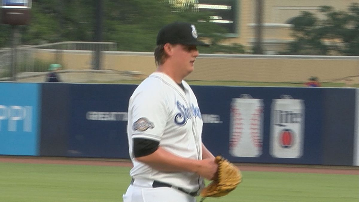 Supak's strong seven lift Shuckers to fifth straight win