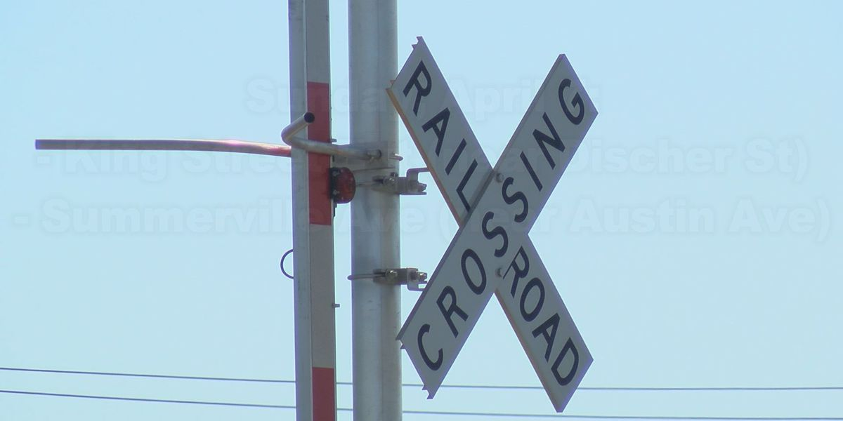 Biloxi city council votes to close railroad crossings downtown