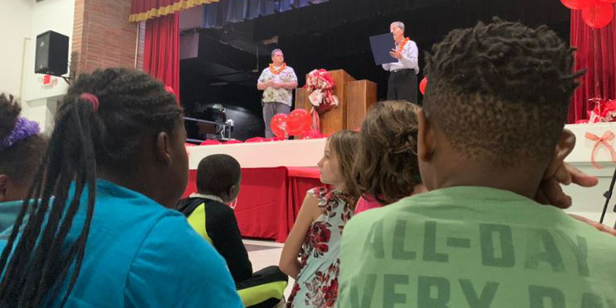 red ribbon week promotes drug free living at popp s ferry elementary