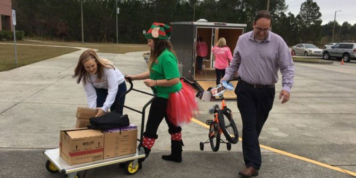 Groups purchase $10K worth of gifts for Harrison Co. foster children