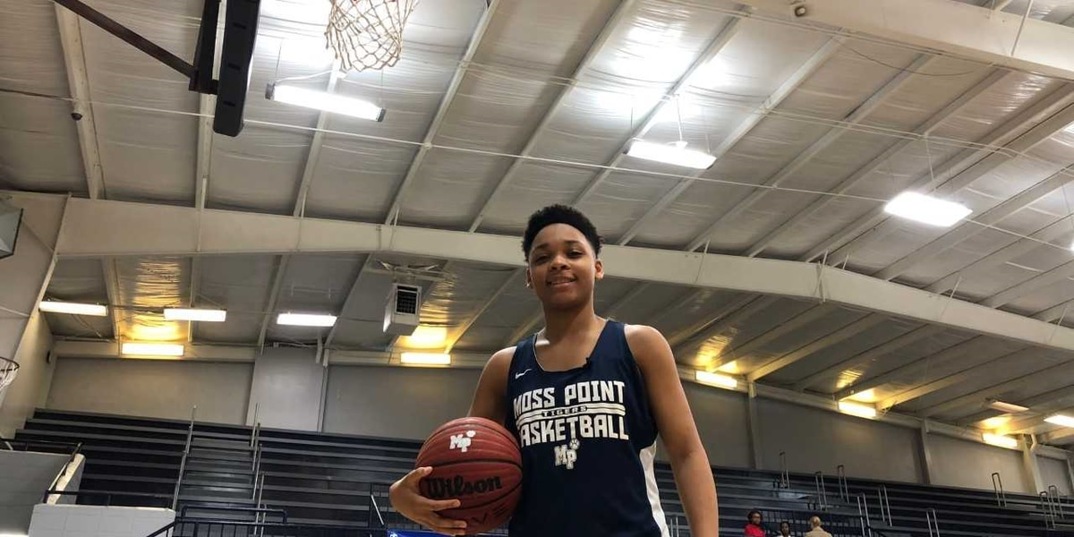 Moss Point sophomore brings her all to the court and the classroom