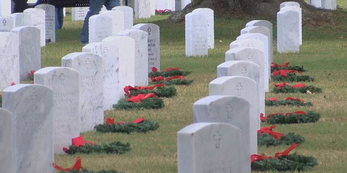 Deceased veterans remembered at wreath-laying ceremony