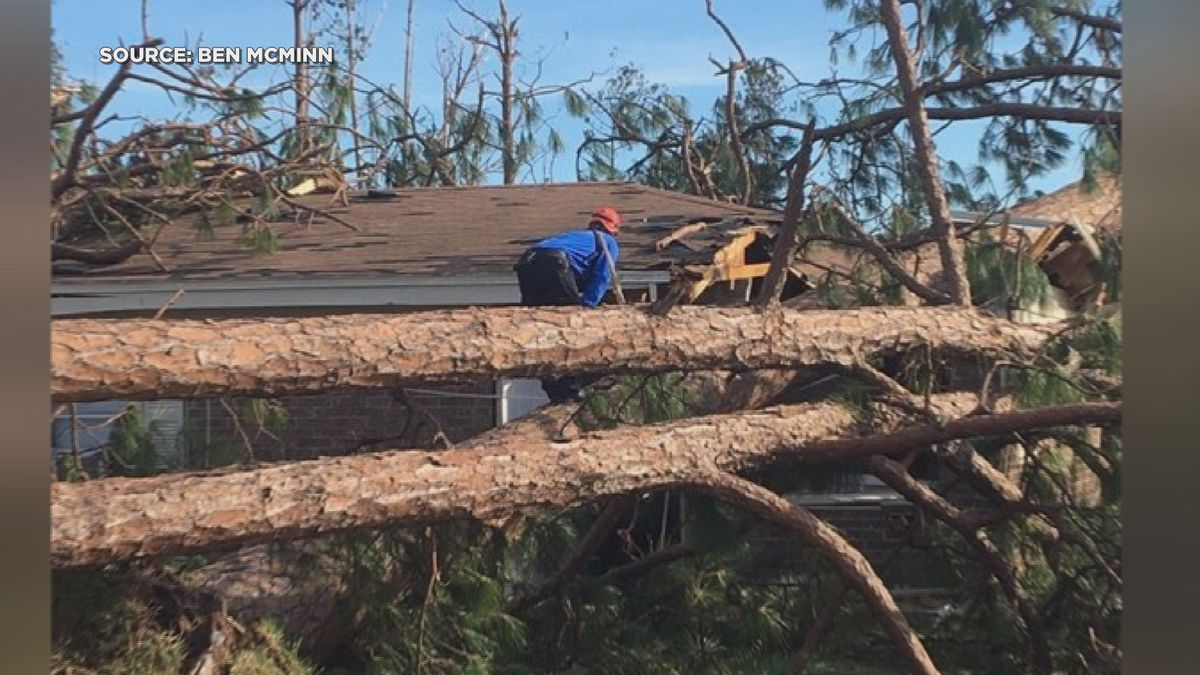 Mississippi crew rescues woman expecting twins from damaged Florida neighborhood