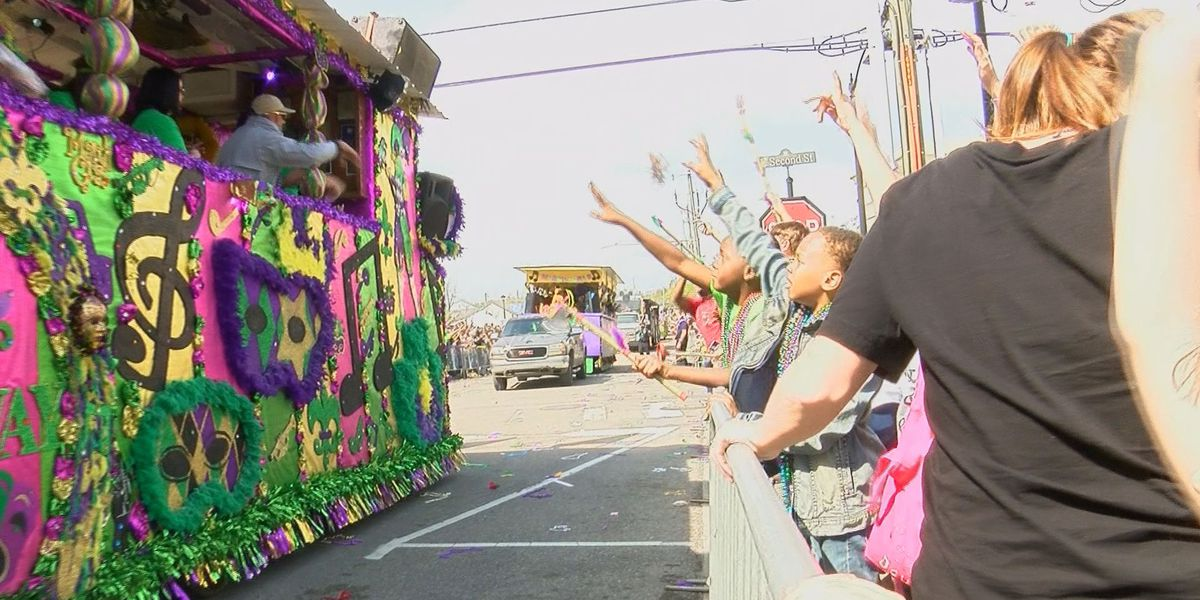 St. Paul's Carnival Association parade brings many from near and far to Pass Christian