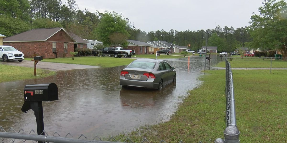 Weekend storms cause street flooding around St. Martin homes