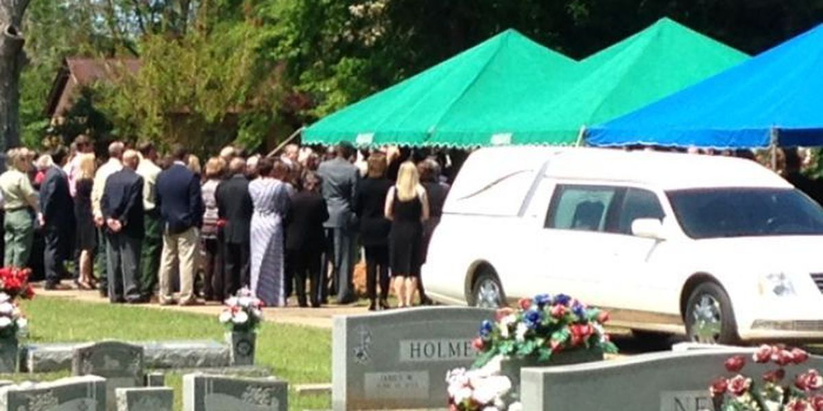 Man killed in helicopter crash laid to rest in Wiggins