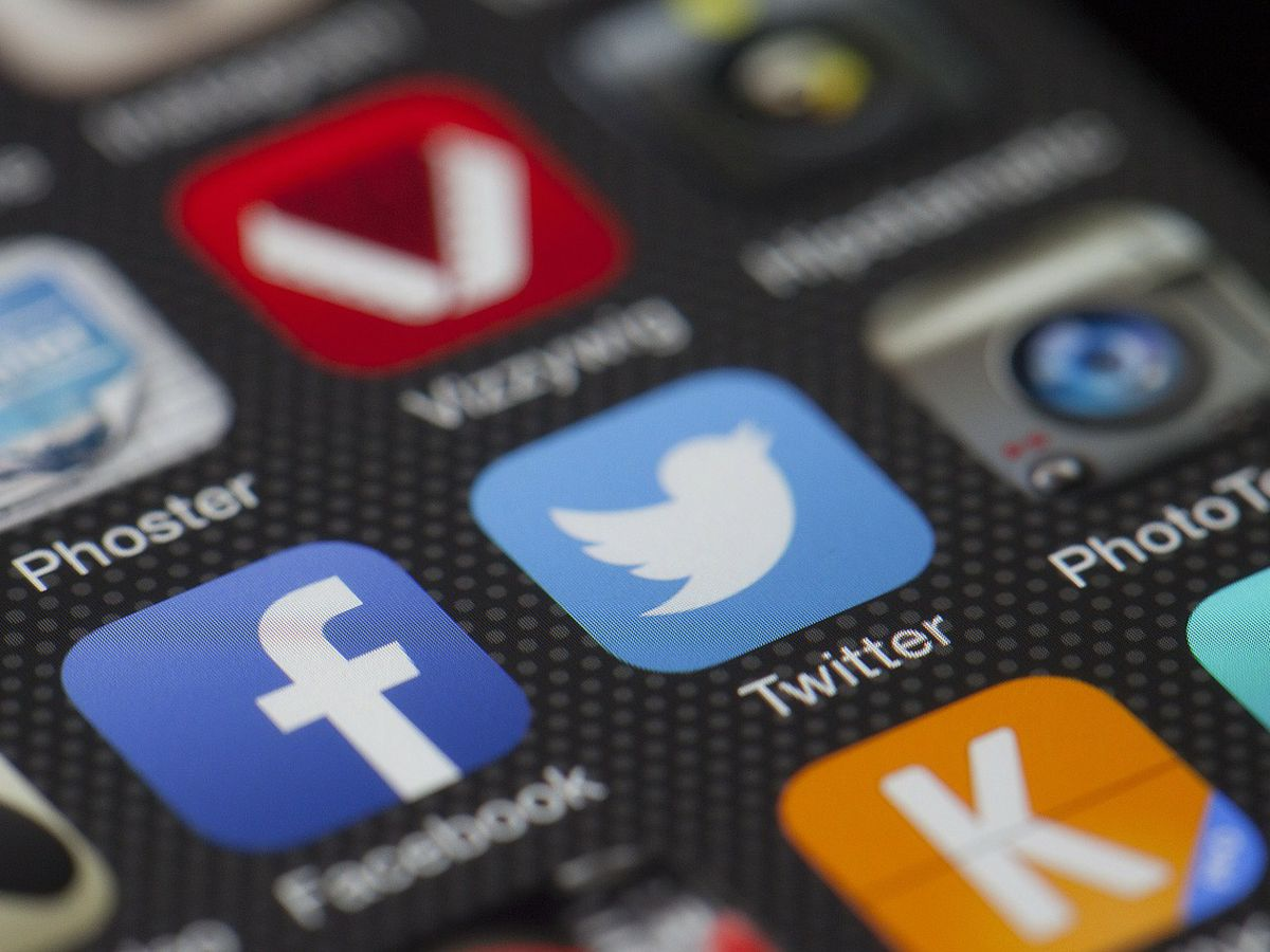 Study: Social media surpasses newspapers as news source