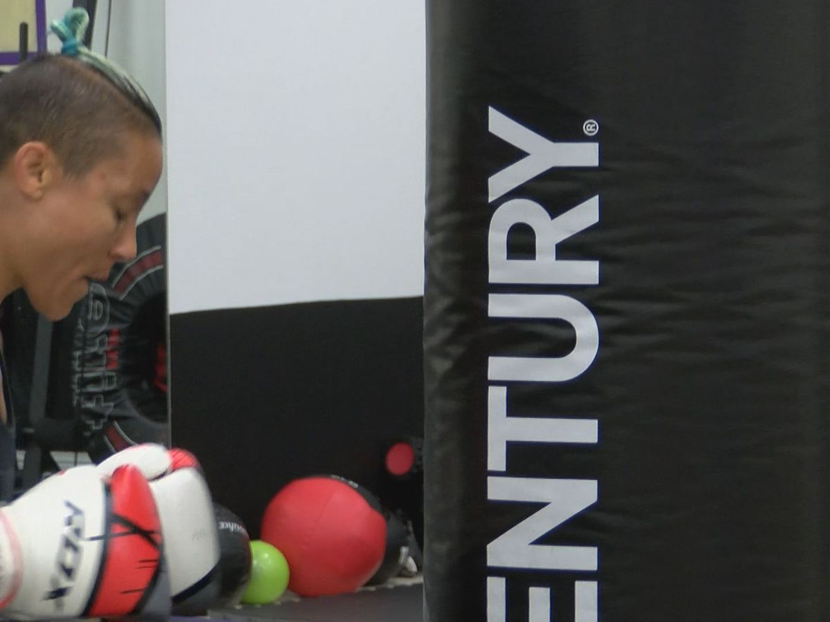 Kickboxing and MMA gym adapting to online classes