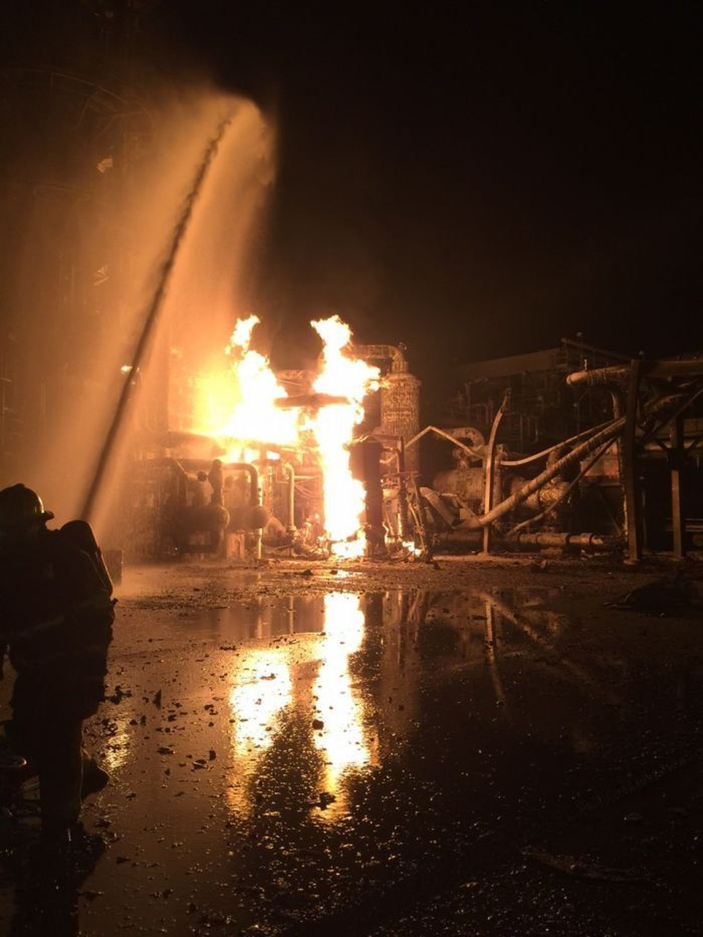 flames finally extinguished after pascagoula plant explosion flames finally extinguished after