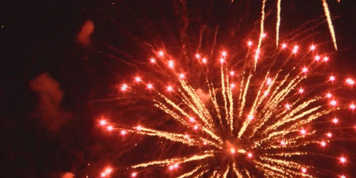 Ocean Springs kicks off Fourth of July weekend with Front Beach fireworks