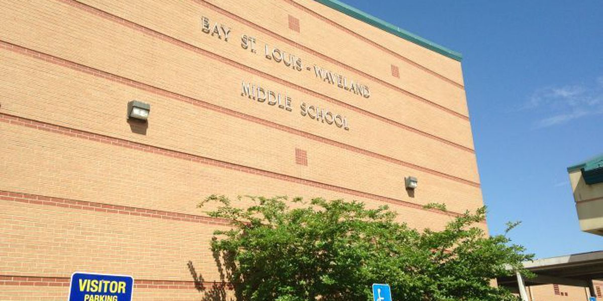 Two Bay-Waveland middle schoolers charged after guns found at school