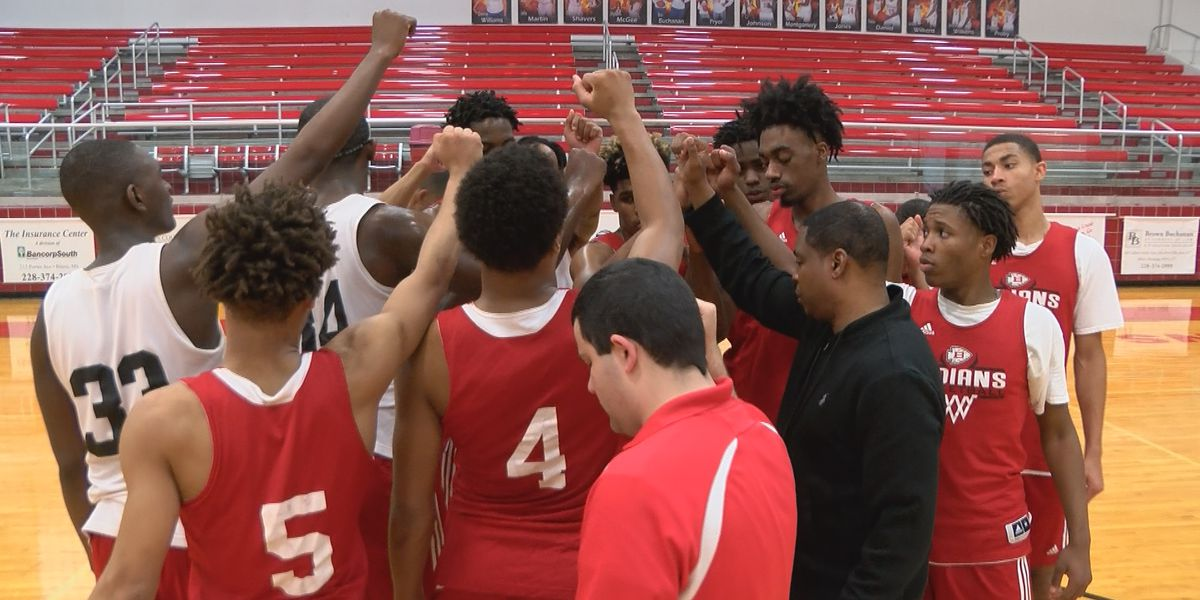 "Biloxi looks to feed ""Hunger for a Banner"" in Districts"