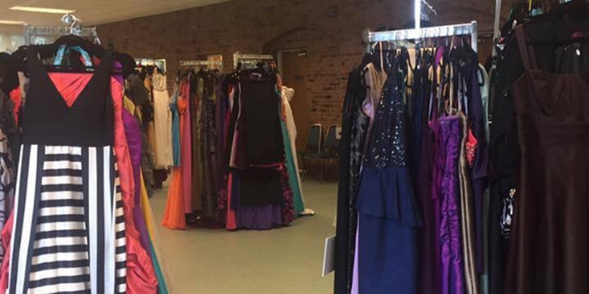 Junior Auxiliary hosts annual homecoming closet