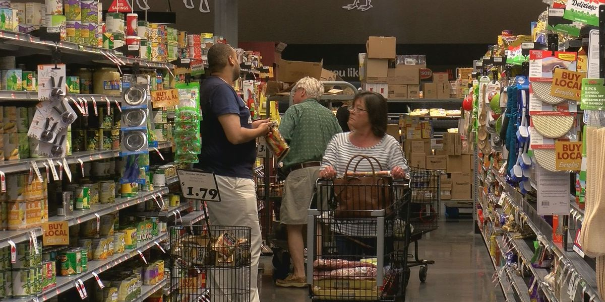 'There is no food shortage,' Coast grocery stores see increased traffic amid virus outbreak