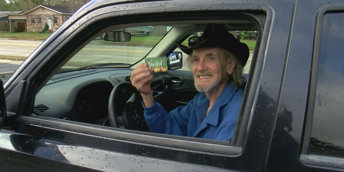 Gift cards instead of citations cheer up Jackson County motorists