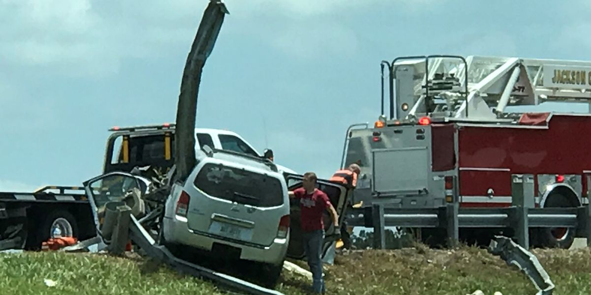 Man flown to hospital after crash on I-10 in Jackson County