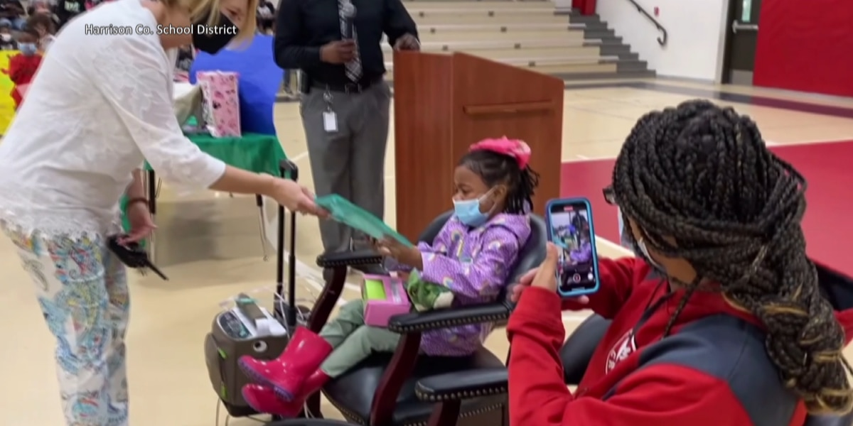 Kindergartner waiting for heart transplant in tears when surprised with early graduation ceremony