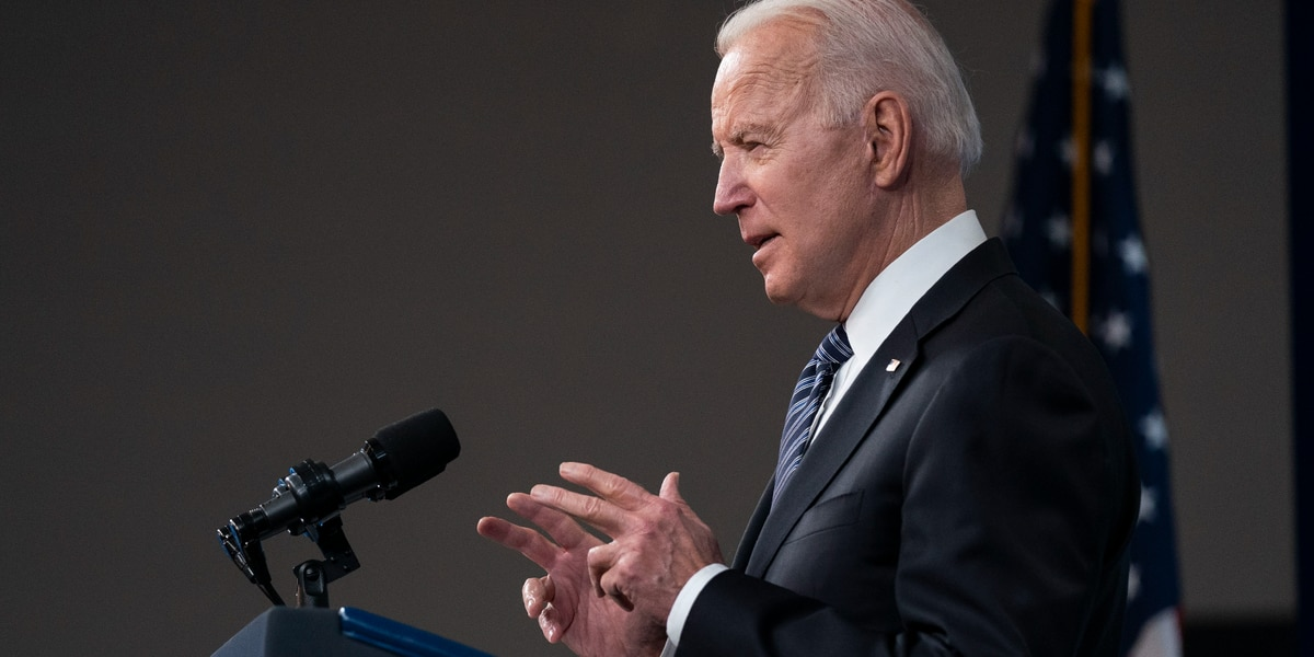 LIVE: Biden delivers remarks at electric vehicle center