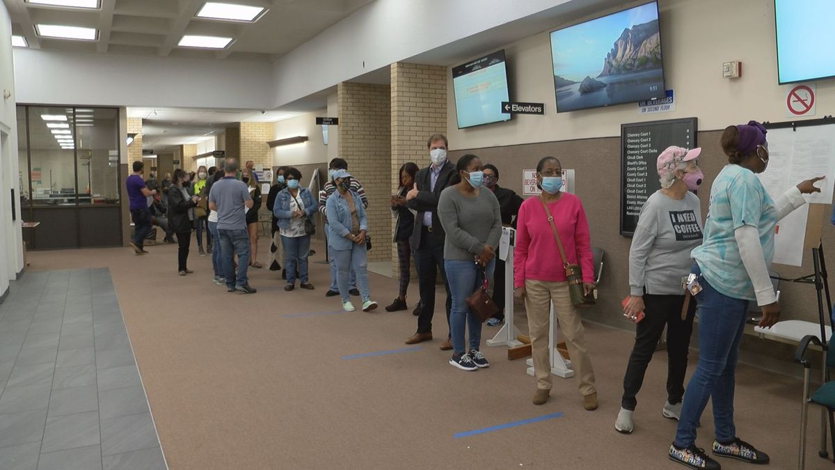 Big turnout for last day of in-person absentee voting