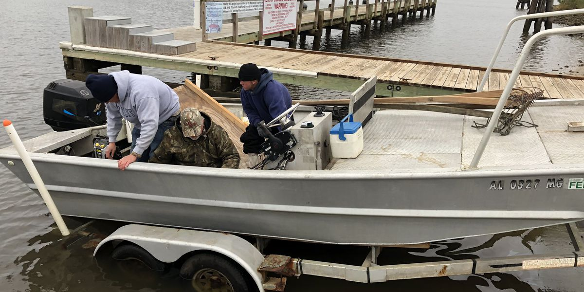 Fishermen, DMR work to move oysters to help boost population