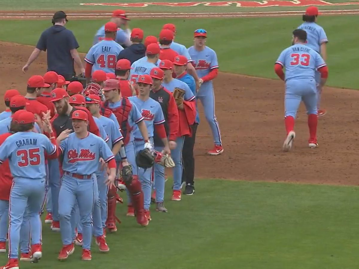 Ole Miss beats top-ranked Louisville on Opening Weekend