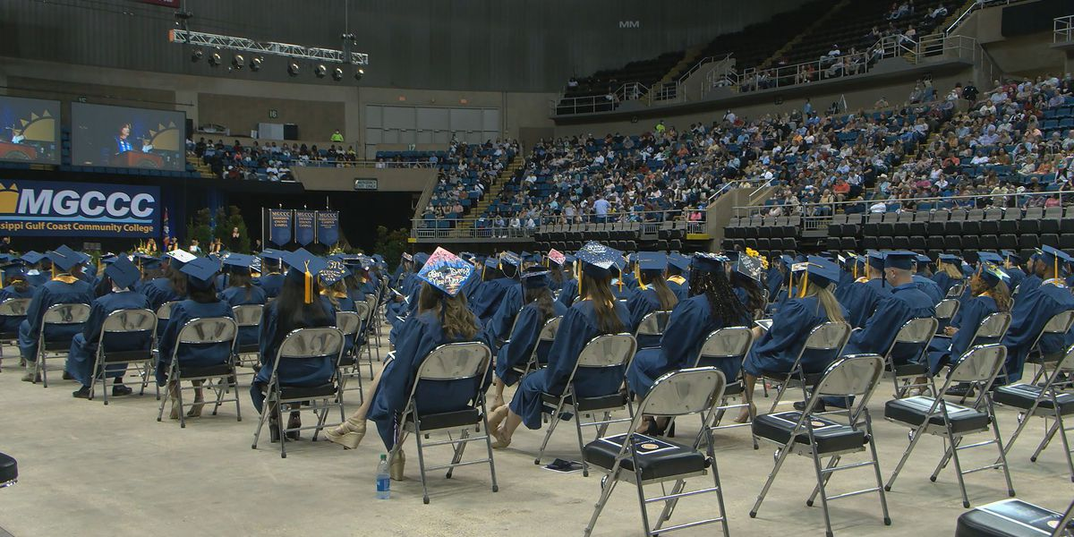 Hundreds fill Coast Coliseum for MGCCC's in-person graduation