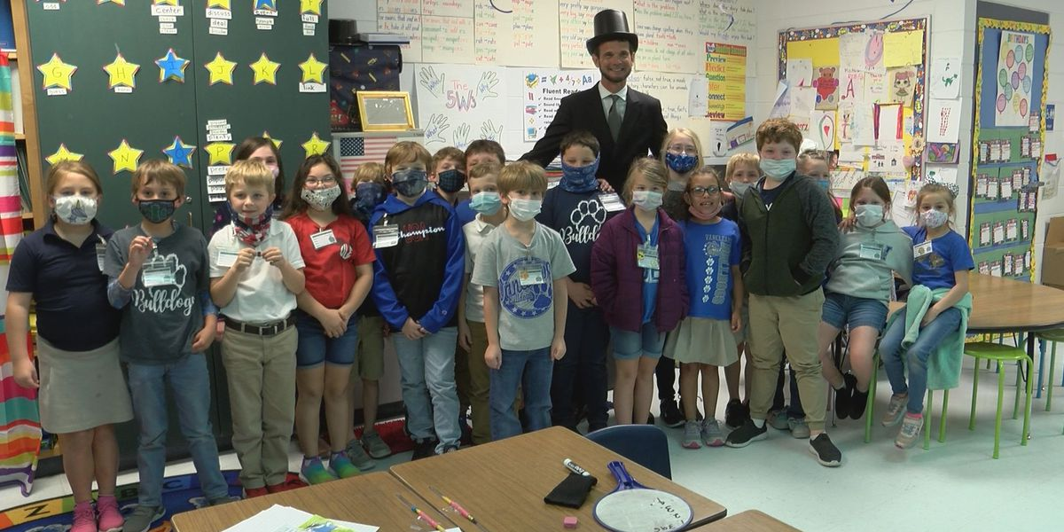 Jackson County Elementary students get surprise visit from Abraham Lincoln