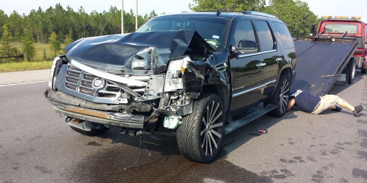 Tire blowout sparks chain-reaction wreck on I-10