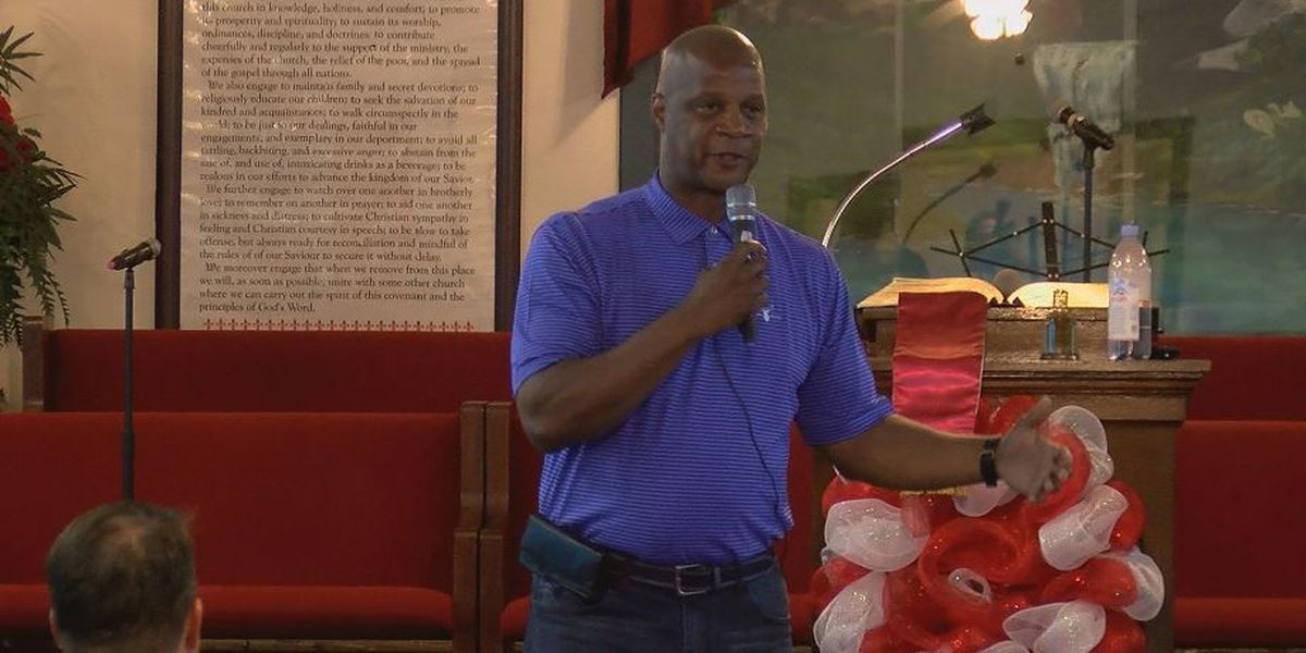 Darryl Strawberry brings message of hope to youth in Gulfport