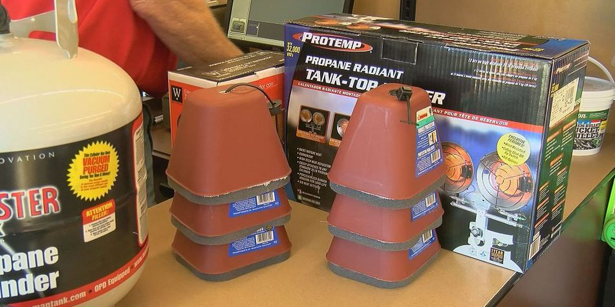 Customers flock to buy pipe protection before deep freeze