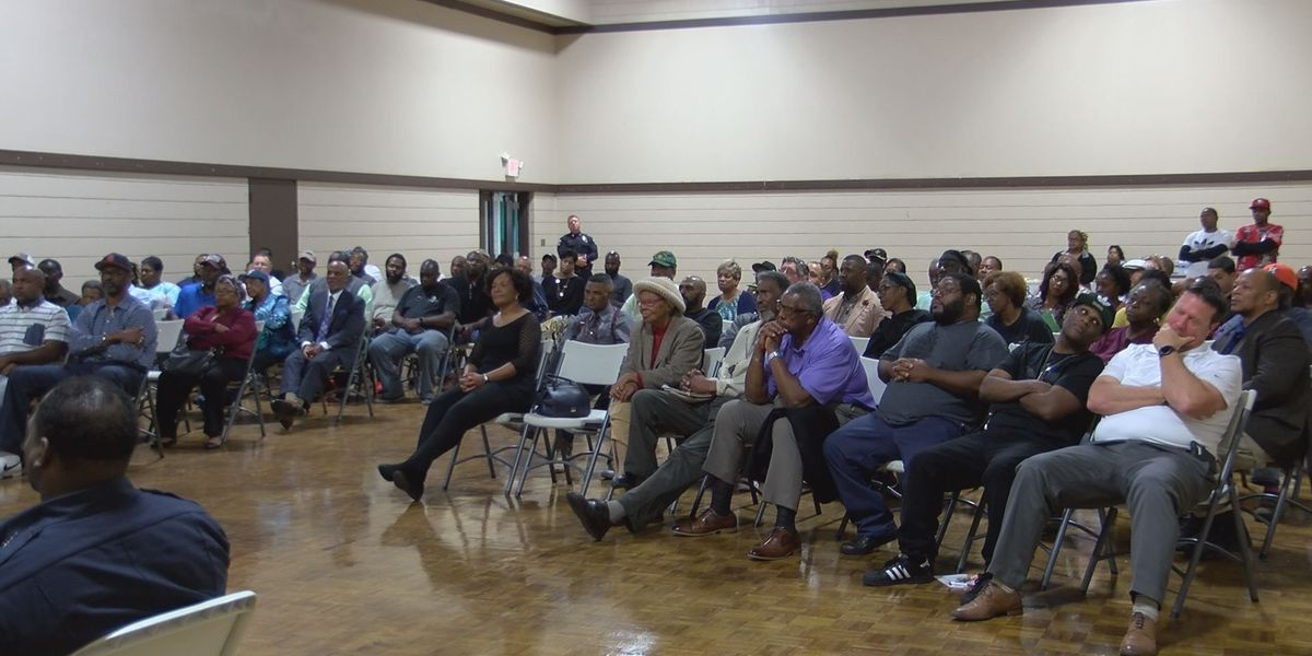 Moss Point ward meeting brings out big support