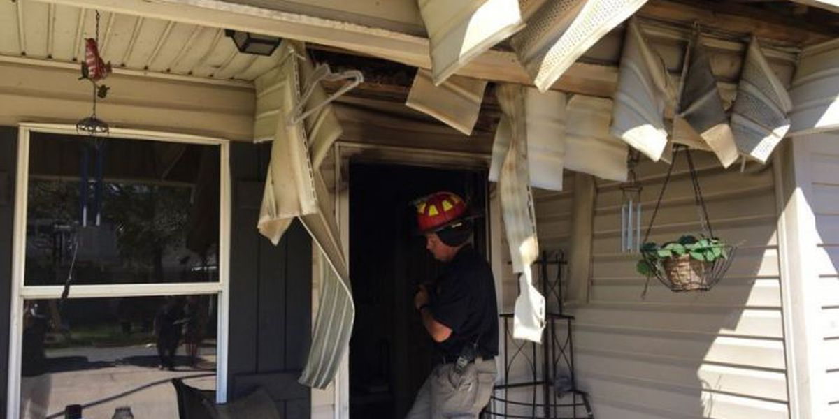 Fire in Gulfport duplex sends 2 to the hospital