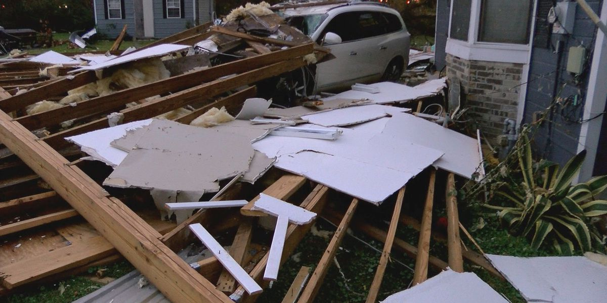 Hurricane damage at north Gulfport intersection leaves neighbors in need