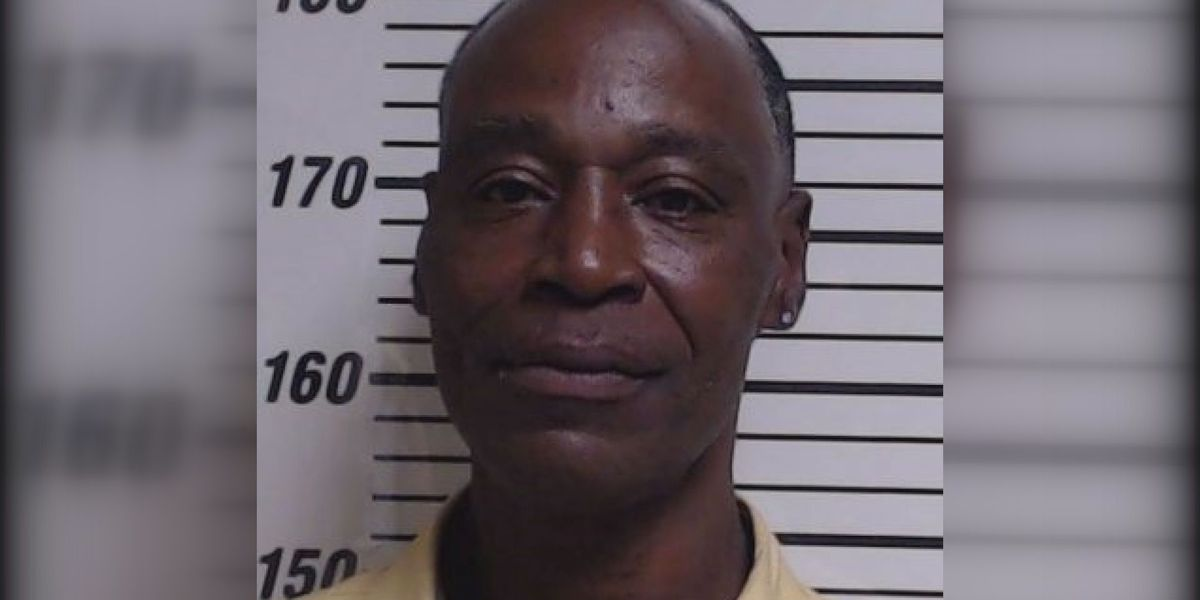 Gulfport man accused of robbing store on Hwy. 49