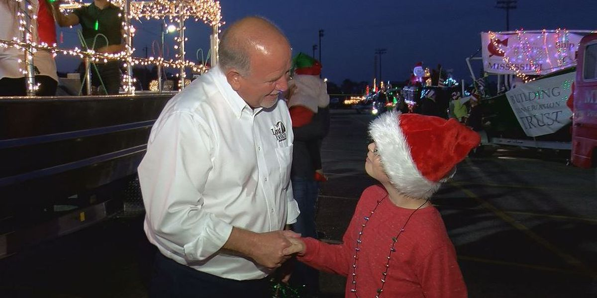 Long Beach Christmas boat parade takes two mayors to oversee action