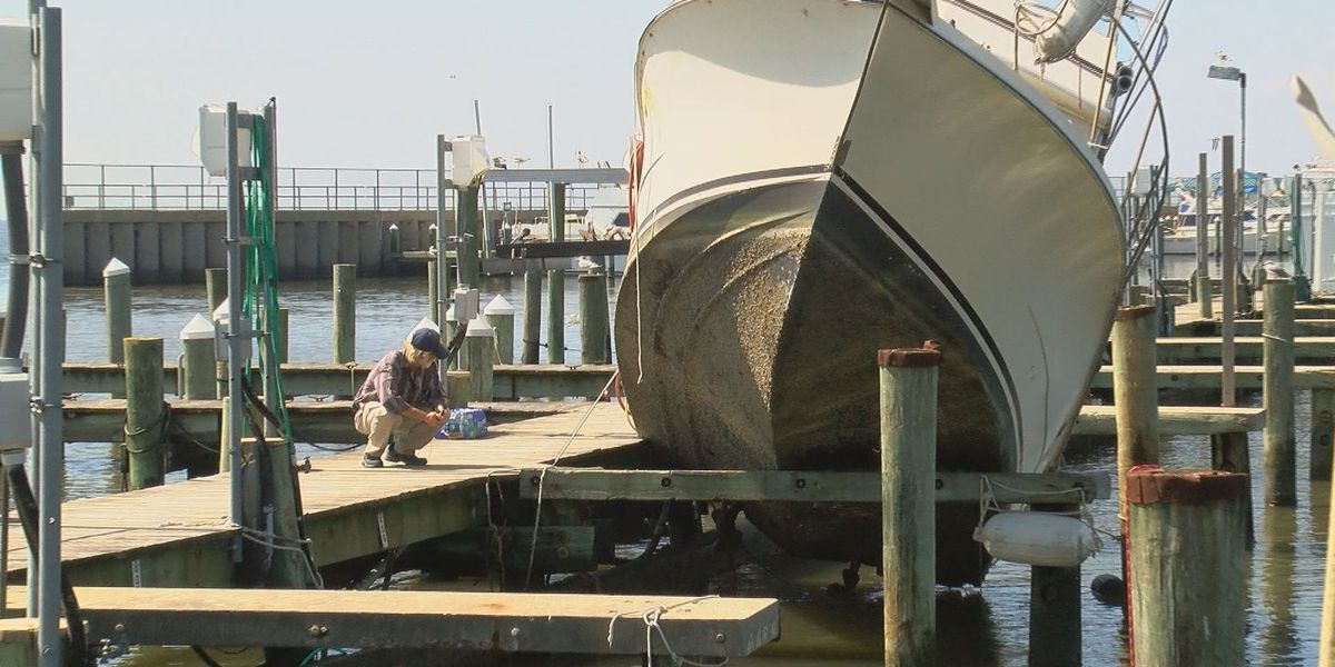 Navy veteran's boat hung up on pier after Hurricane Nate