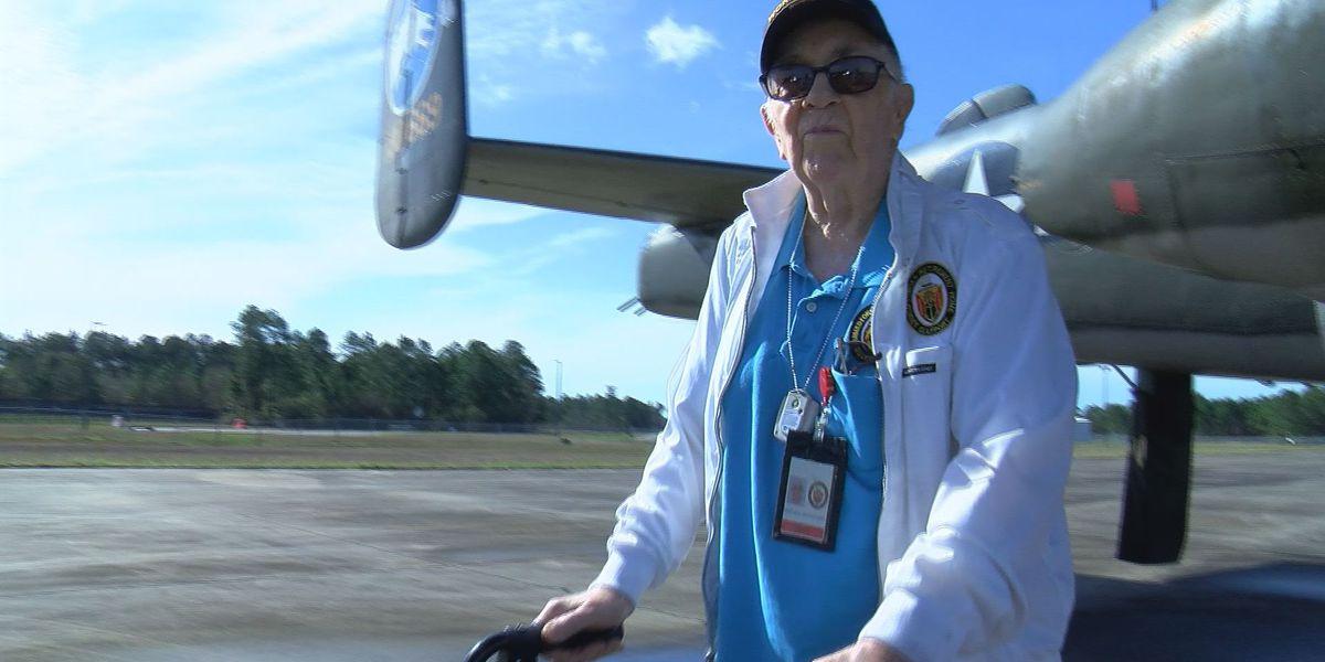 World War II veteran enjoys Wings of Freedom tour