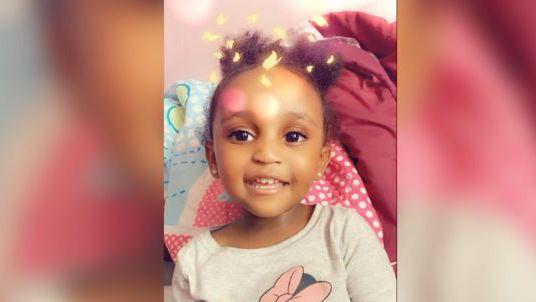 Ontbrekende 2-jarige dood aangetroffen in Minnesota; vader in hechtenis
