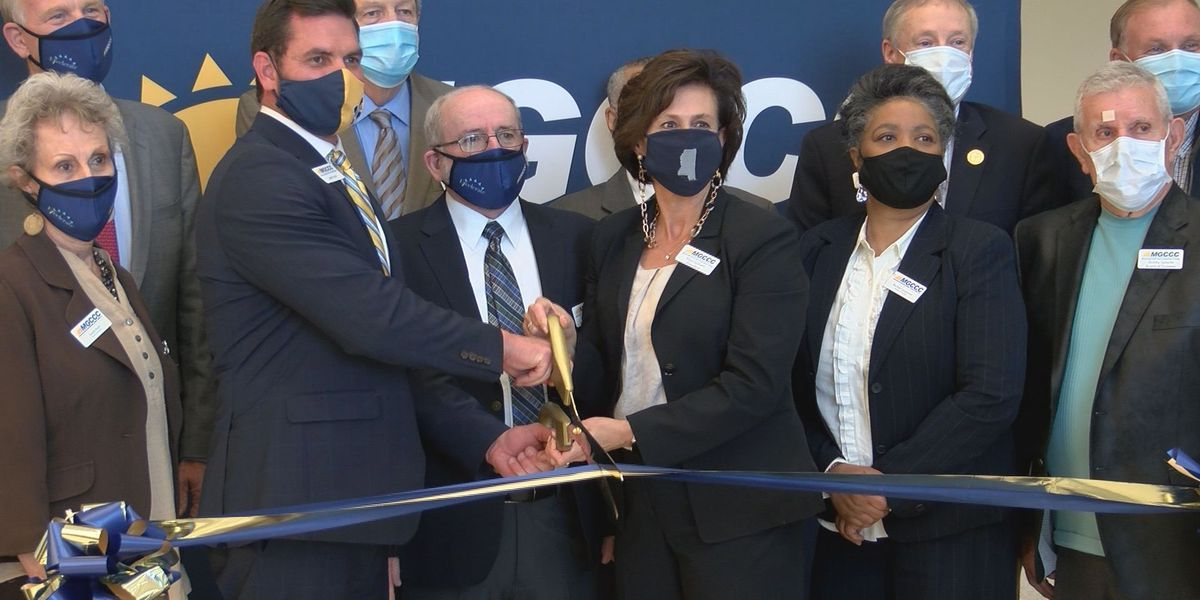 MGCCC cuts the ribbon on new student union, breaks ground on new arena