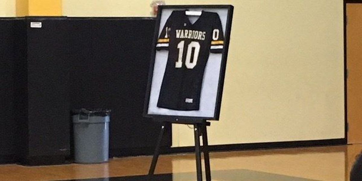 D'Iberville High unveils jersey to honor former Warrior and NFL player