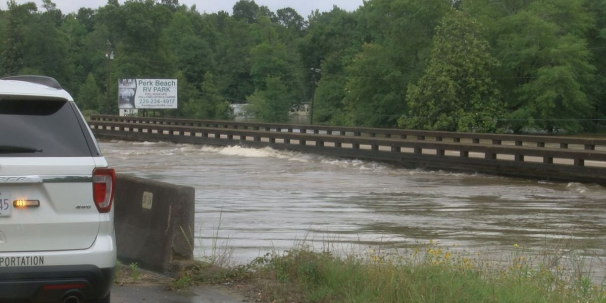 Flooded bridge on Hwy 49 in Stone County needs examination