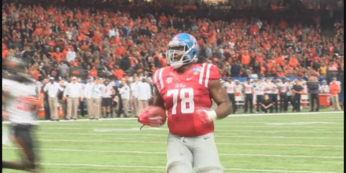 Former Ole Miss offensive lineman Laremy Tunsil admits exchange of money with coach