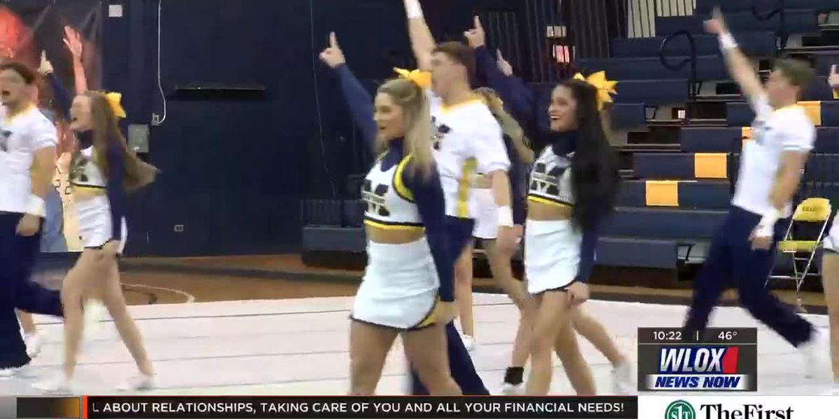 MGCCC cheerleaders, dance team heads to national championship