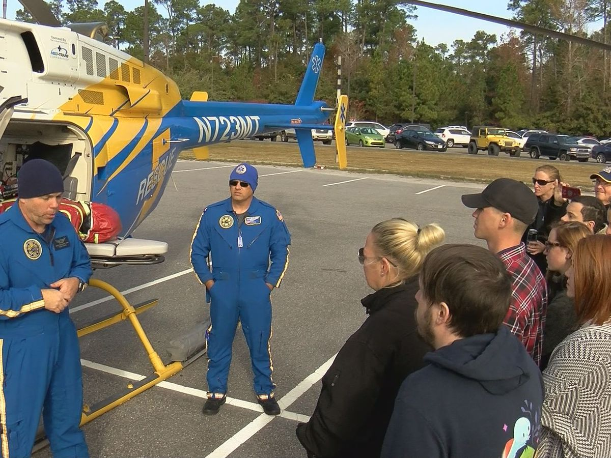 Rescue 5 air ambulance drops in on MGCCC EMT students
